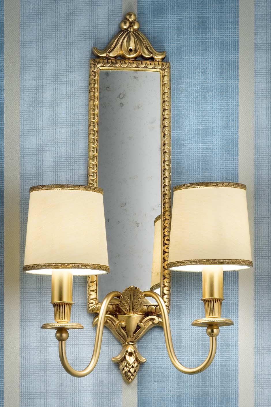 Applique miroir double bronze doré motif feuilles abat-jour soie beige. Masiero.
