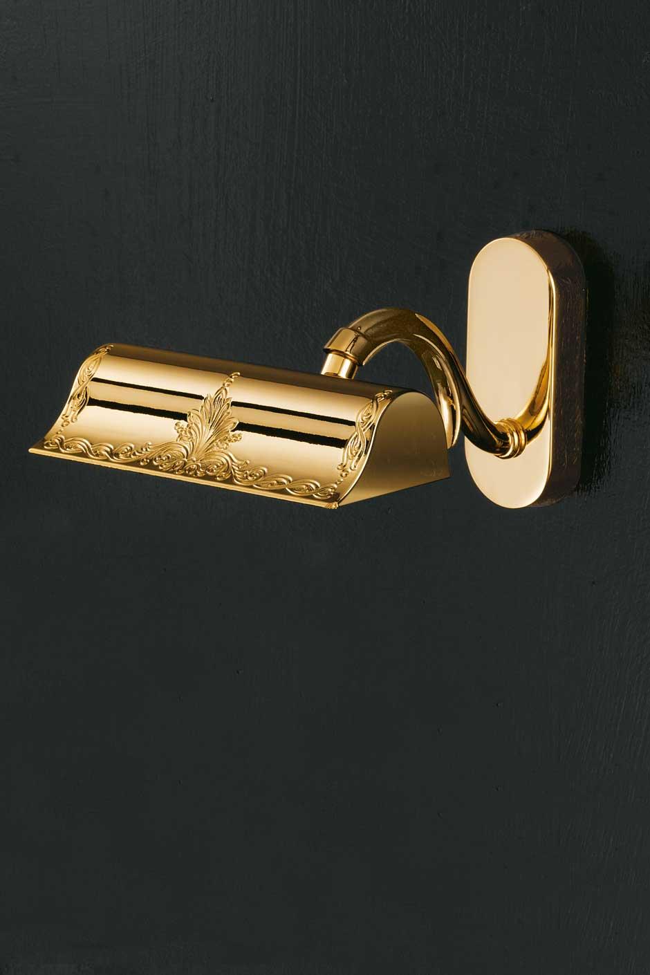 Applique pour tabeau dorée motif gravé. Masiero.