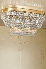 Large oval crystal ceiling light. Masiero.