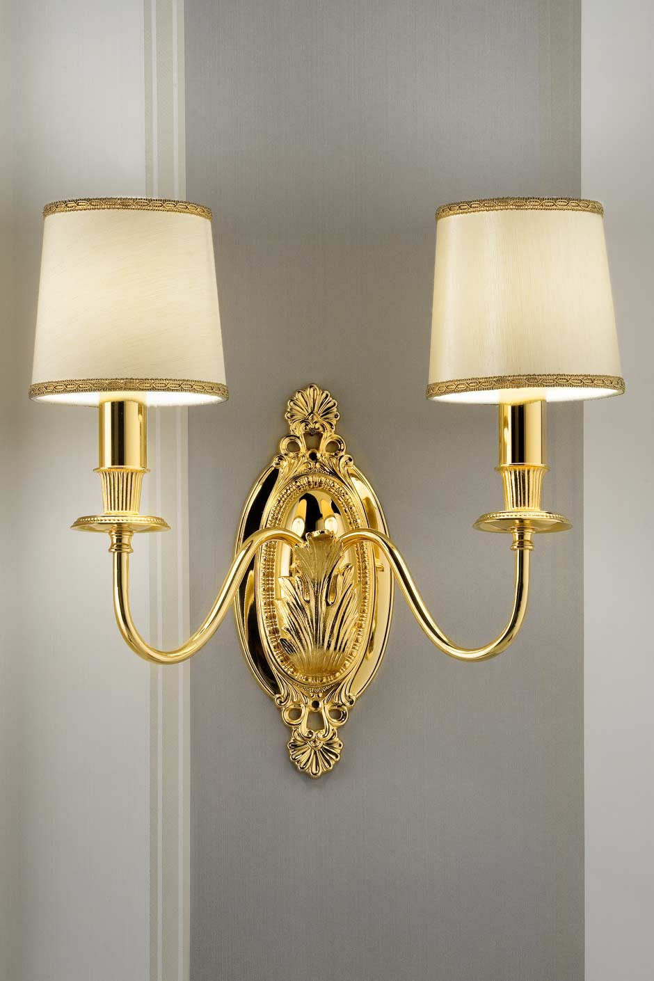 Gold Wall Lampshades : Double wall light in gold-plated bronze with beige silk shades Masiero Murano and crystal ...