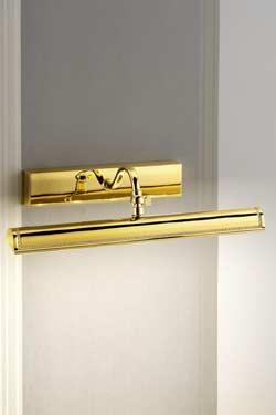 Grande applique pour tableau LED évasée dorée polie décoration classique striée. Masiero.