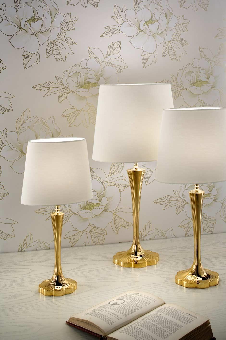 Grande lampe bronze doré abat-jour soie blanche H75cm. Masiero.