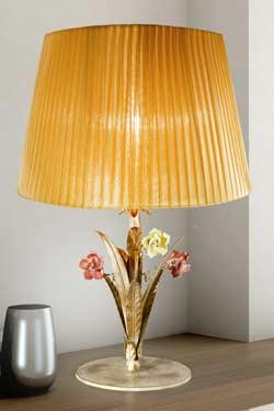 Grande lampe cuir or et cuivre abat-jour jaune doré pampilles cristal. Masiero.