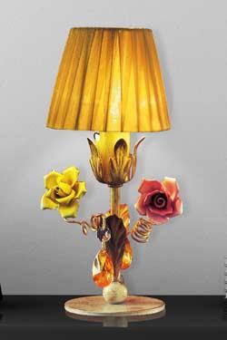 Lampe cuir or et cuivre abat-jour jaune doré pampilles cristal. Masiero.