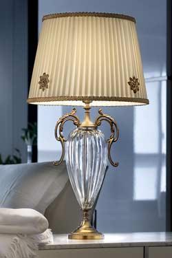 Lampe pied en cristal transparent cannelé et métal doré antique. Masiero.