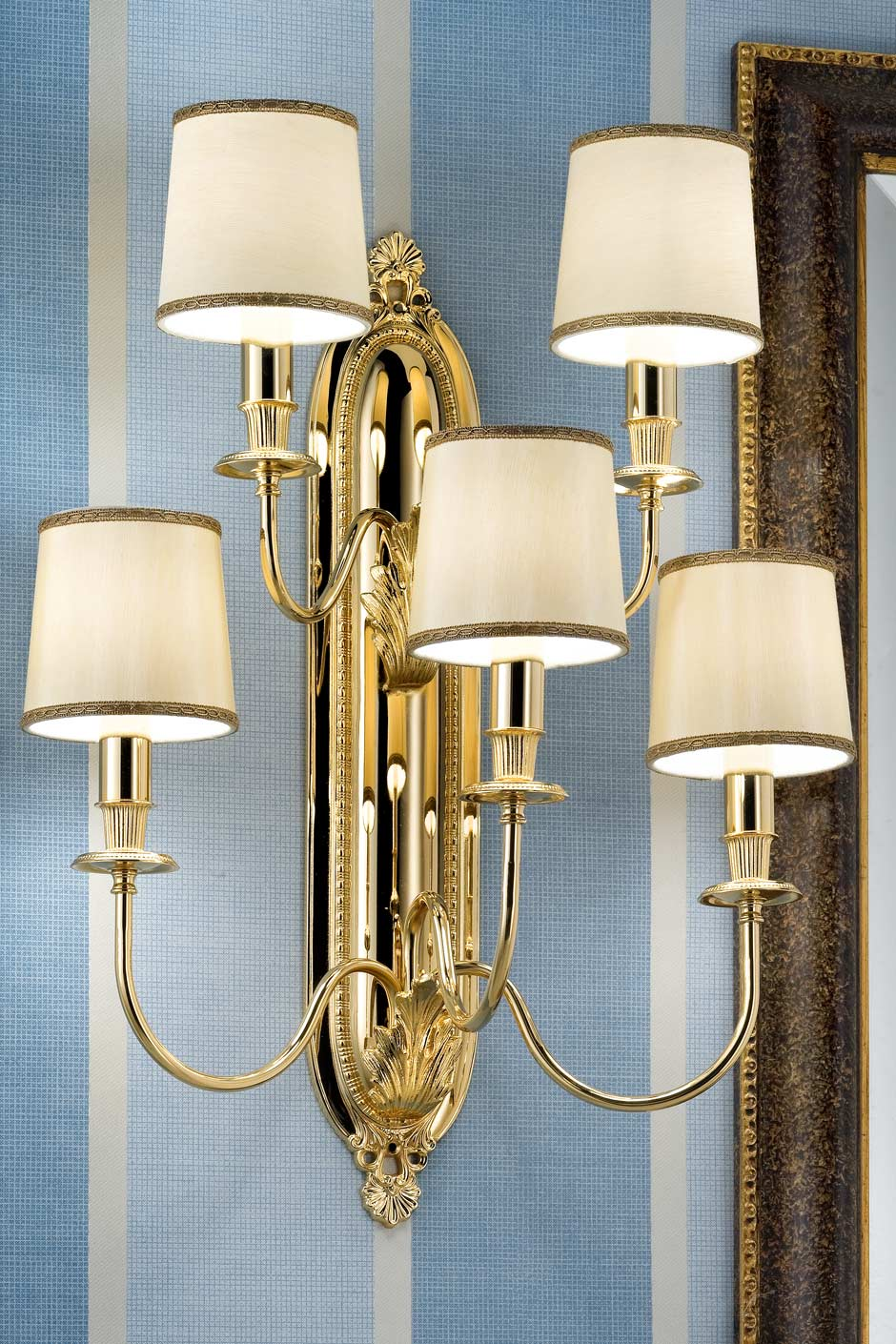 5-light wall light in gold-plated bronze with beige silk shades Masiero Murano and crystal ...