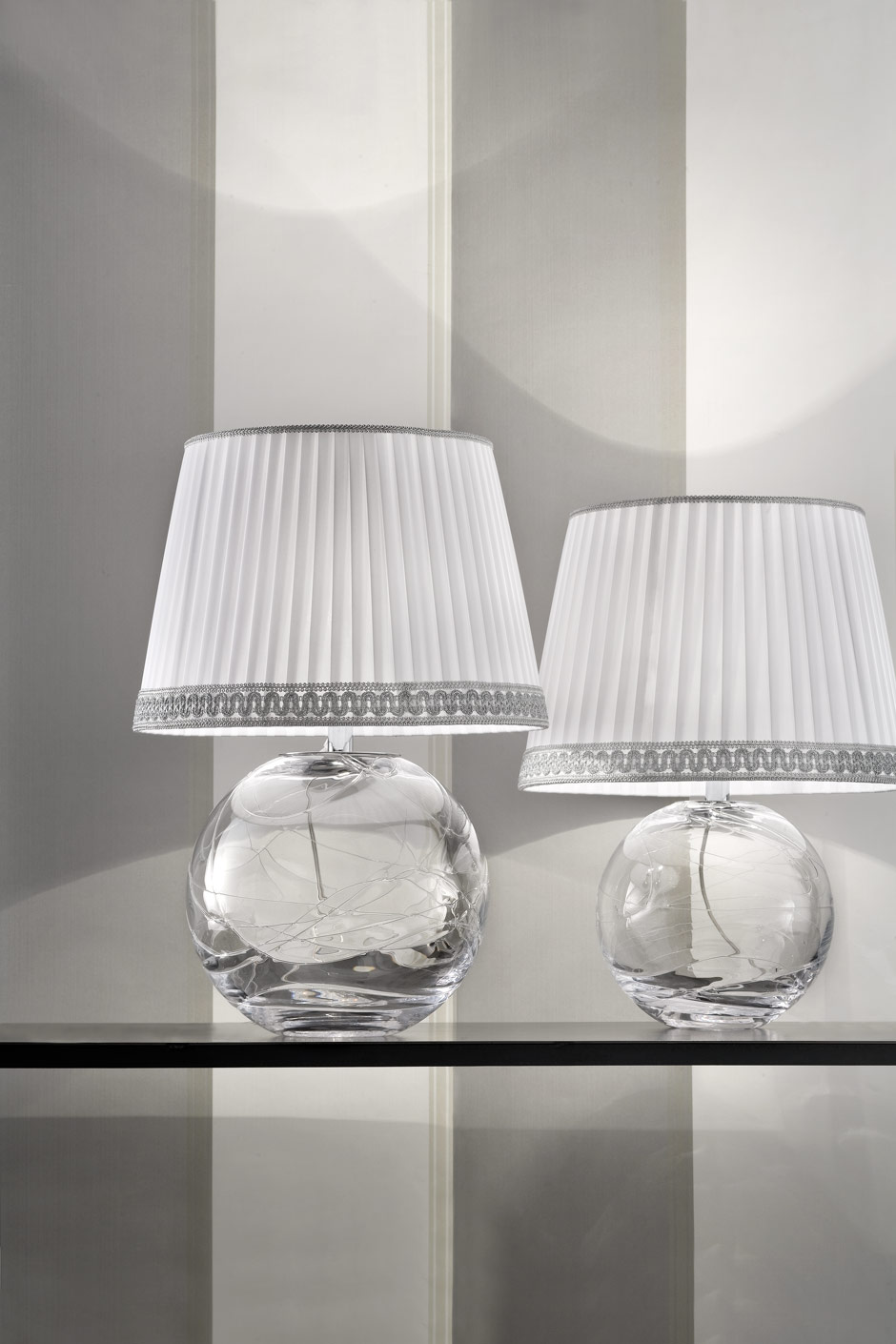 lampe en verre transparent ek47 jornalagora. Black Bedroom Furniture Sets. Home Design Ideas