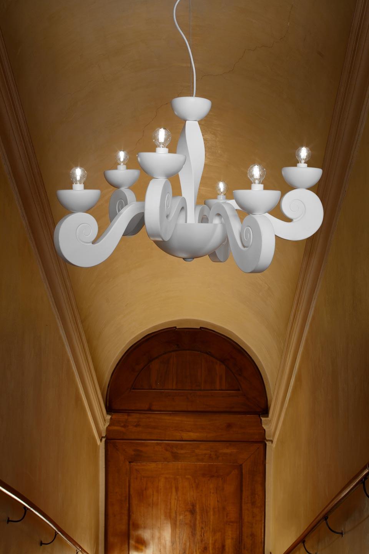 Lustre contemporain blanc en volutes Botero 10 lumières. Masiero.
