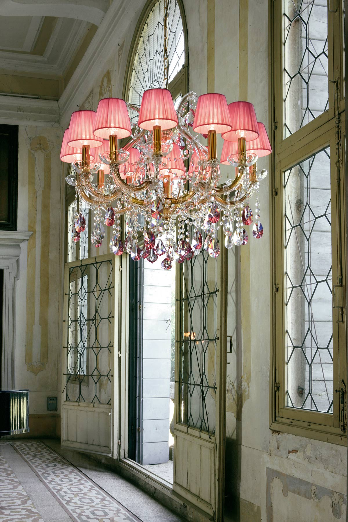 Pink crystal chandelier in gold-plated metal | Masiero | Murano ...