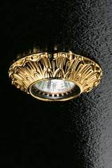 Fixed round decorated gold-plated recessed spotlight. Masiero.