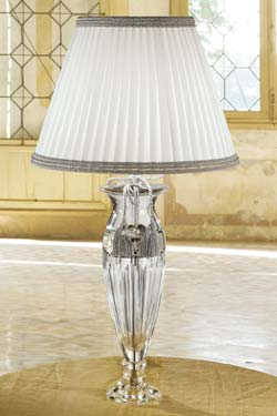 Table Lamp In Engraved Clear Crystal With White And Grey