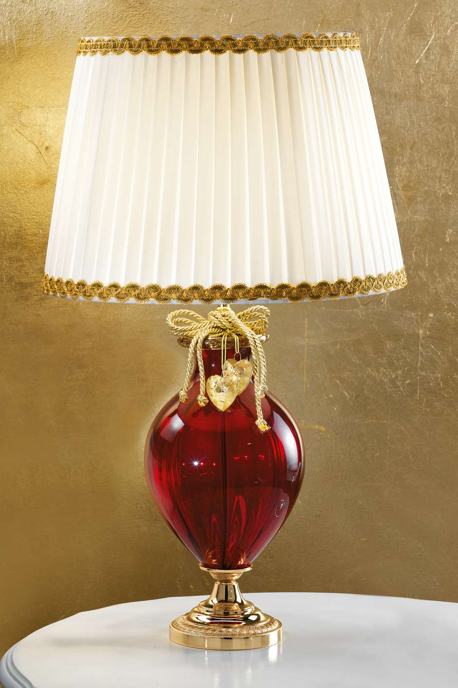 Red and gold crystal glass table lamp with white shade. Masiero.