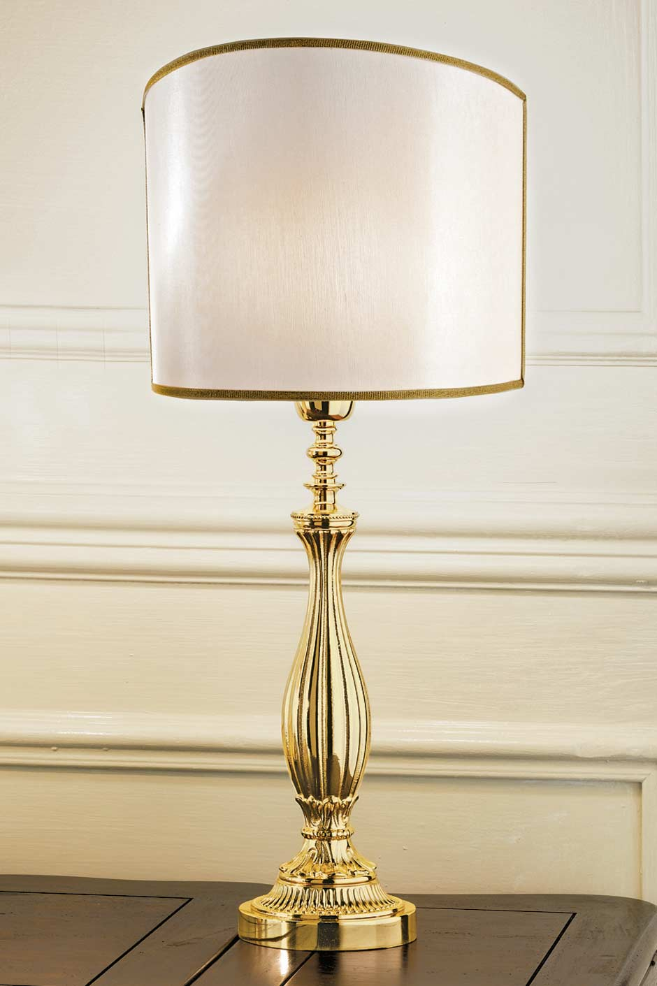 Large gold-plated bronze table lamp with pale-beige shade. Masiero.