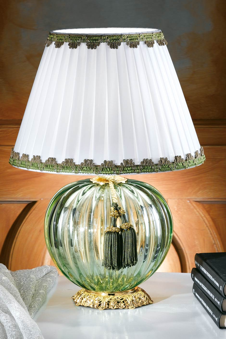 Small Green Murano Glass Table Lamp With White Shade