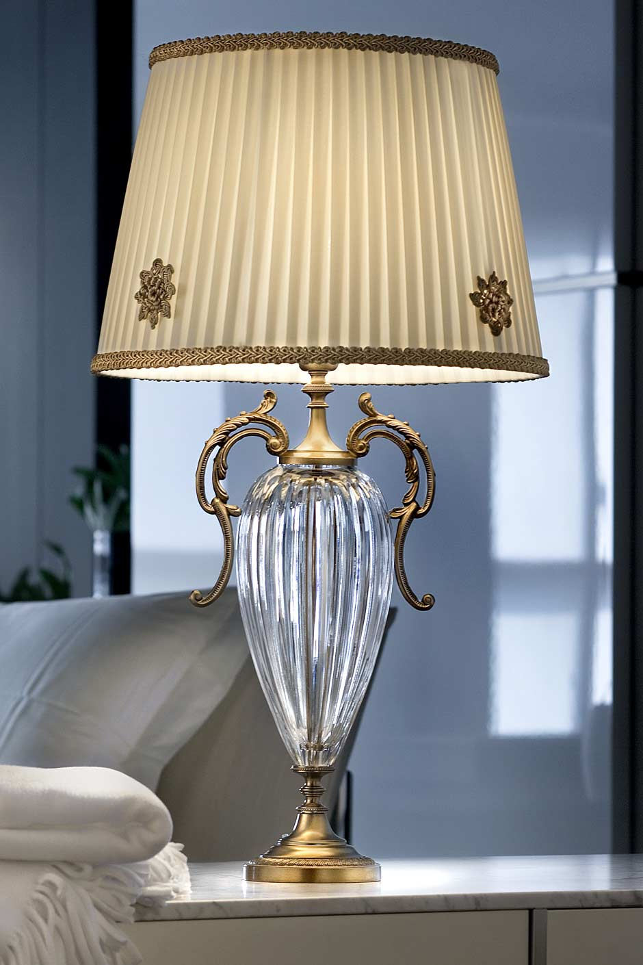 Table Lamp With Fluted Clear Crystal Base And Antique Gold