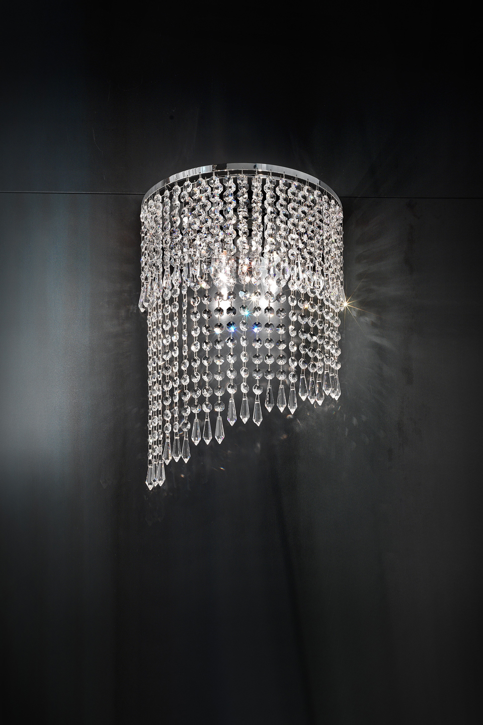 Chrome and crystal 2 lights long wall lamp. Masiero.