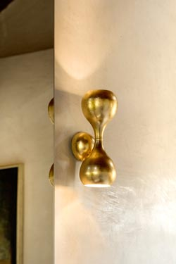Small gold leaf Blob wall lamp. Masiero.