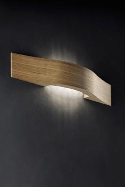 Solid oak wall lamp Libe A55. Masiero.