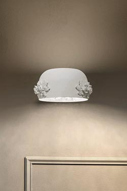 White sconce with floral decor Dame. Masiero.