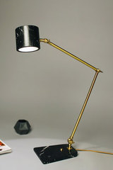 Vintage desk lamp in marble and satin brass Flamingo. Matlight.