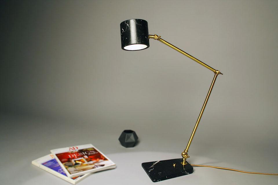 Lampe de bureau vintage en marbre et laiton satiné flamingo