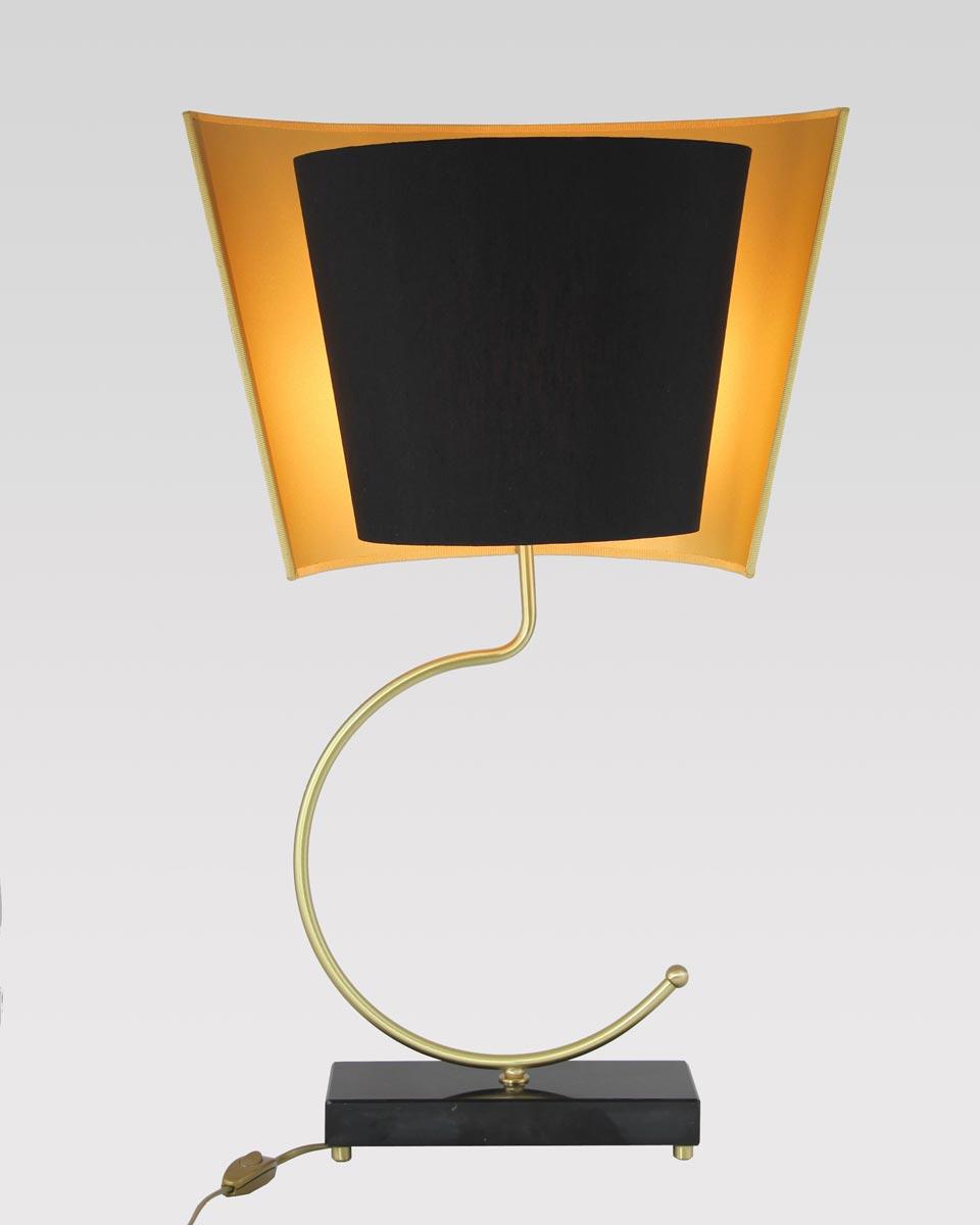 Lampe en marbre noir et laiton satiné Marquinia. Matlight.