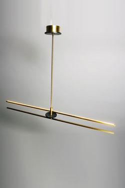 Essential satin brass and black marble Marquiniapendant. Matlight.