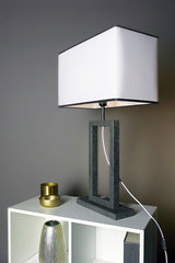 Contemporary table lamp with two-tone lampshade medium model. Matlight.