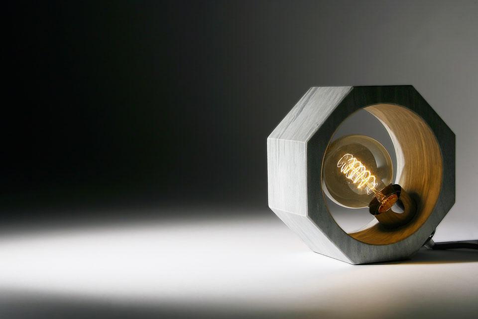 Octagonal grey Bardiglio marble table lamp. Matlight.
