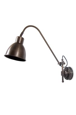 Grande applique architecte en laiton antique. Moretti Luce.