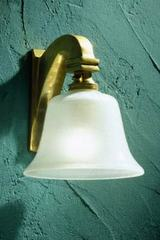 Bell Light 230V applique en bronze poli. Nautic by Tekna.