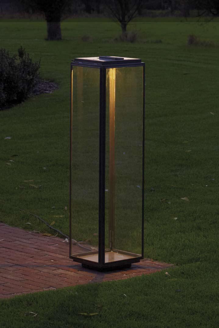 Grande lampe de jardin en bronze antique et led nautic for Lampe terrasse led