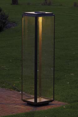 Grande lampe de jardin en bronze antique et LED. Nautic by Tekna.
