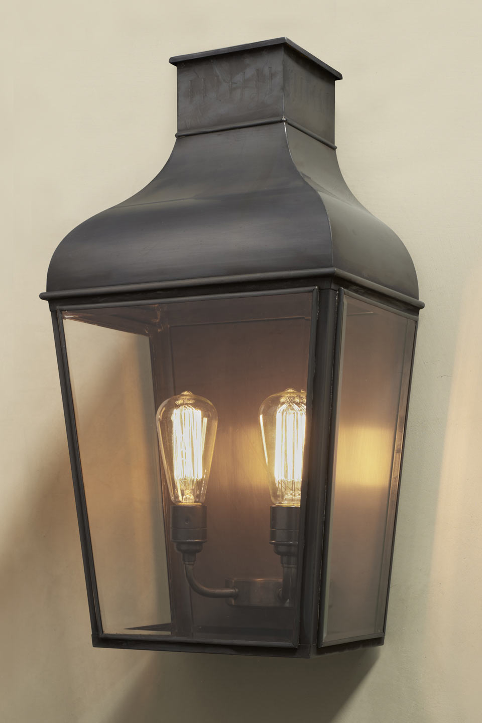 Lanterne double d 39 ext rieur en bronze antique montrose for Luminaire exterieur double