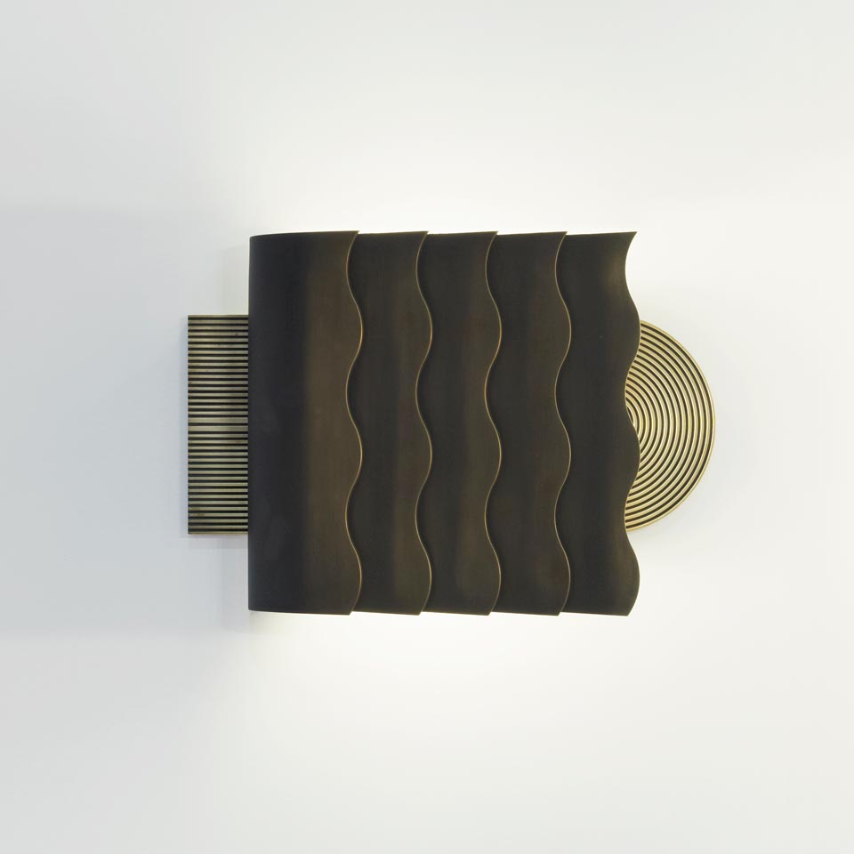 Art deco SAL wall lamp in patinated solid bronze. Nautic by Tekna.