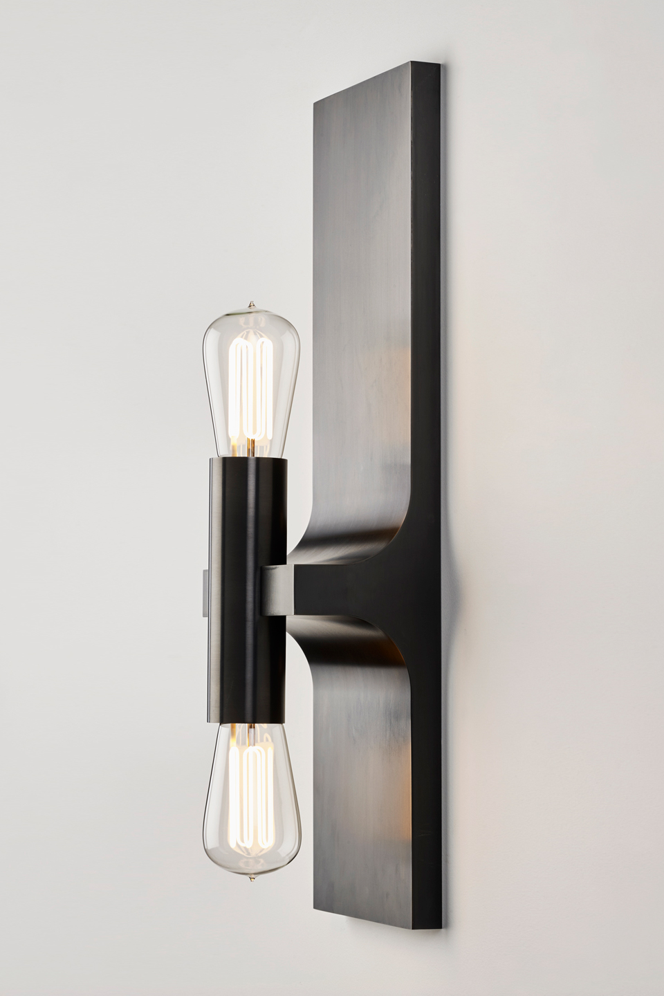 Walcott double wall lamp in black patinated bronze. Nautic by Tekna.