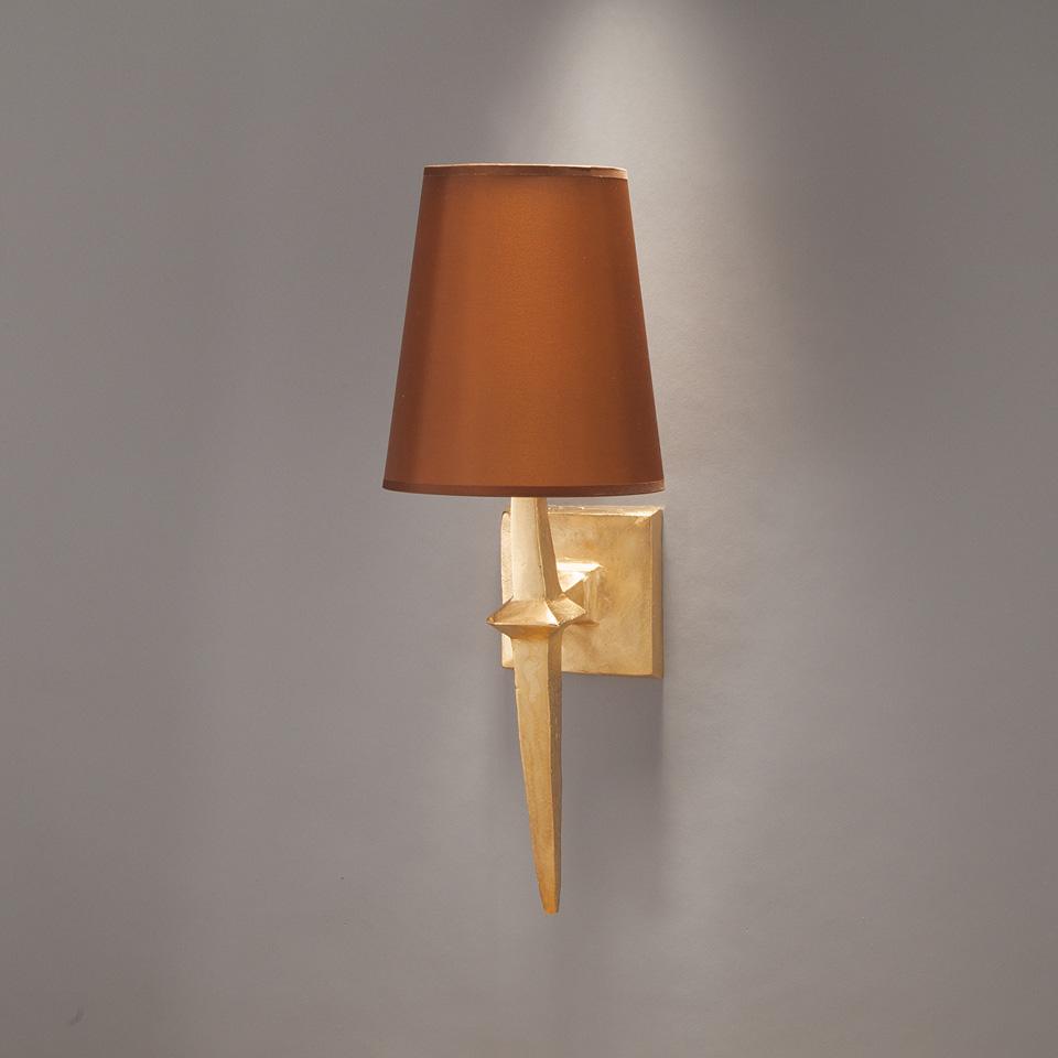 applique murale dor e et abat jour en tissu brique adam objet insolite luminaires en bronze. Black Bedroom Furniture Sets. Home Design Ideas