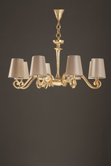 Amboise gilded chandelier and 8 beige lampshades. Objet insolite.