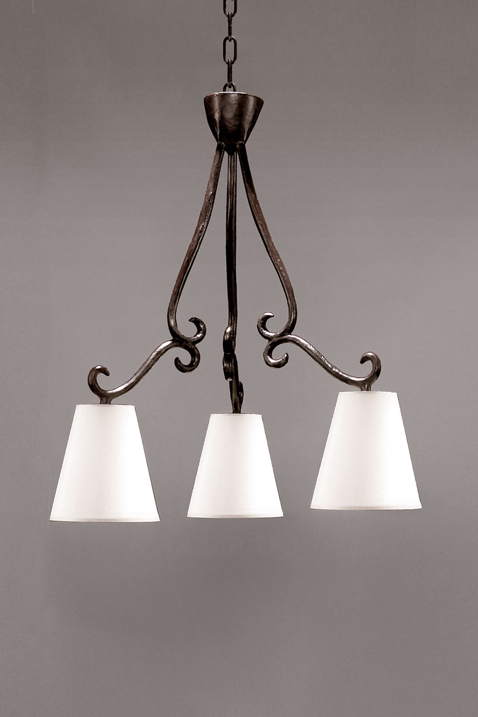 3 lights chandelier in bronze and hanging lampshade