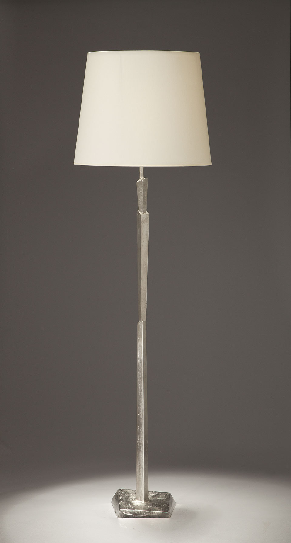 Cubist nickel floor lamp with satin finish and white for Objet insolite lighting