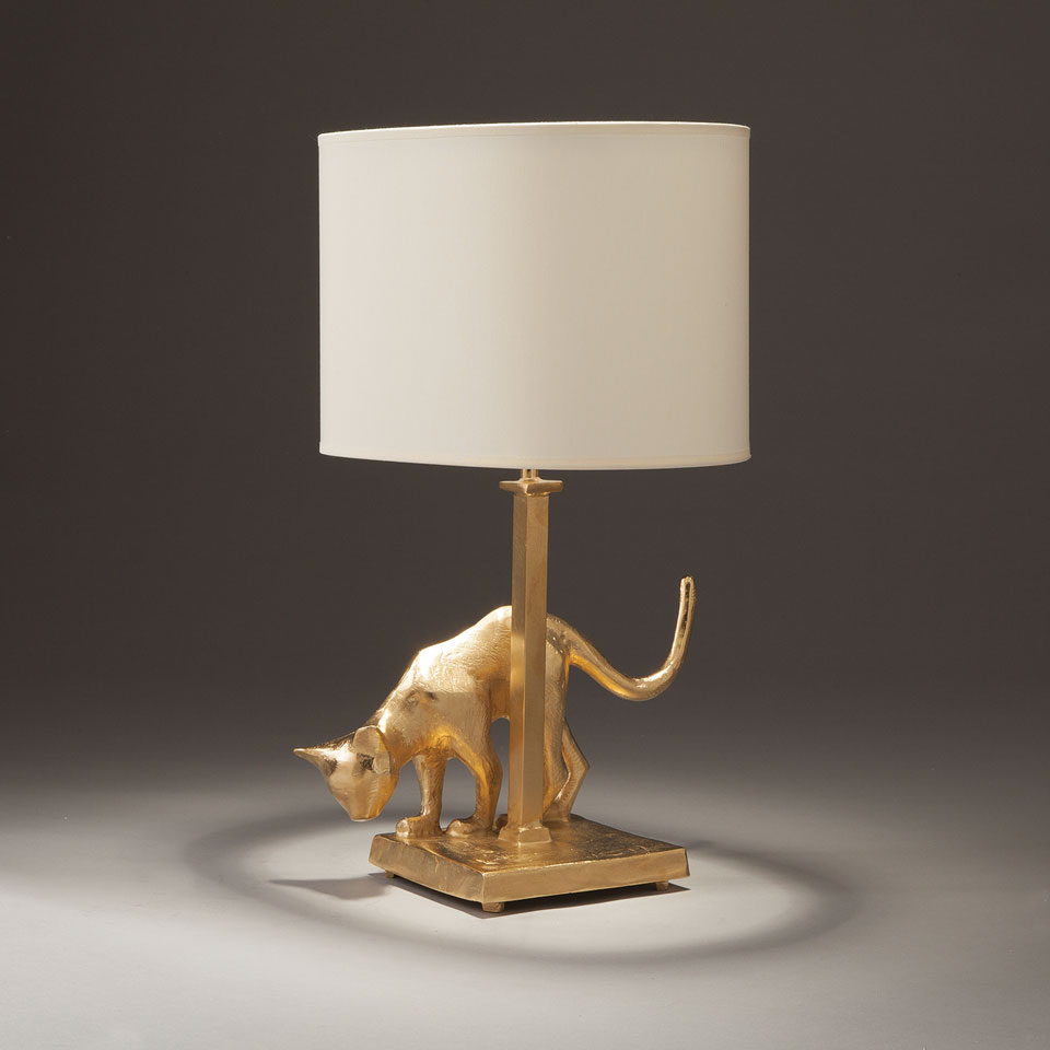 lampe de table chat en bronze massif dor objet insolite luminaires en bronze lampe de table. Black Bedroom Furniture Sets. Home Design Ideas