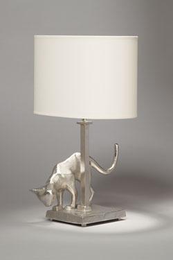 Lampe de table Chat en bronze nickel satiné. Objet insolite.
