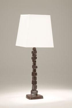 Petite lampe de table en bronze noir patiné Fragile. Objet insolite.