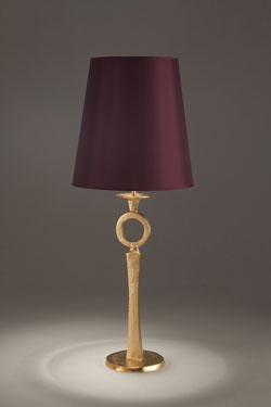 Fine table lamp in solid gilt bronze. Objet insolite.