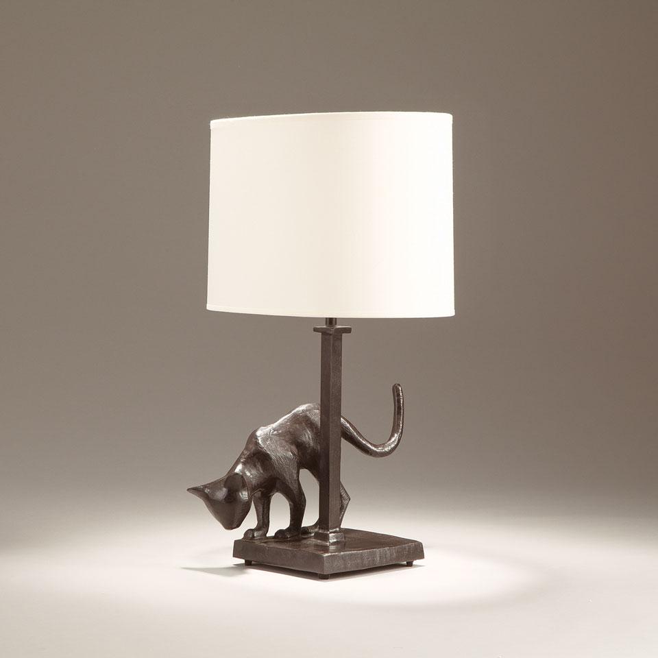 Patinated black bronze table lamp cat objet insolite for Objet insolite lighting