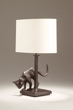 Patinated black bronze table lamp Cat. Objet insolite.