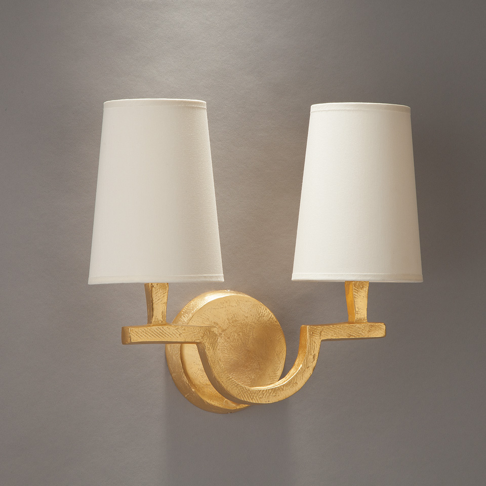2-light wall lamp in gilded solid bronze Perceval. Objet insolite.