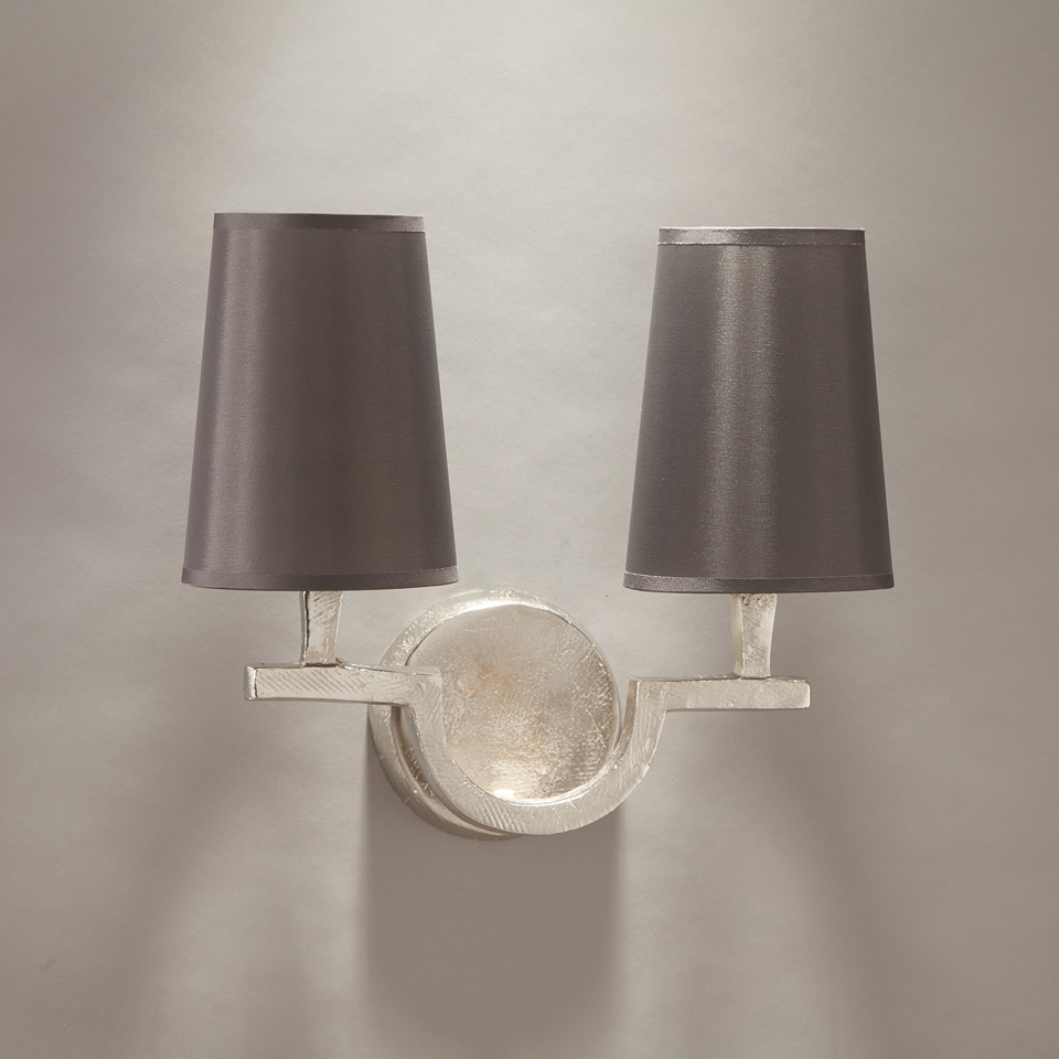 Satin nickel solid bronze double wall lamp Perceval. Objet insolite.