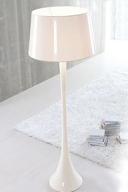Conic Gloss Branco lampadaire. Paulo Coelho.