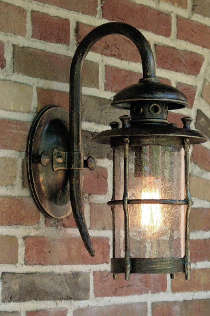 Applique lanterne en fer forg grille fabriqu par les - Applique bougie murale ...